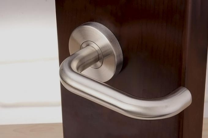 Application of stainless steel door handle with 53*6.5mm rose